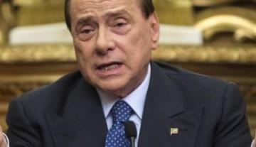 Berlusconi fuori dalla politica? Bugia o martirio