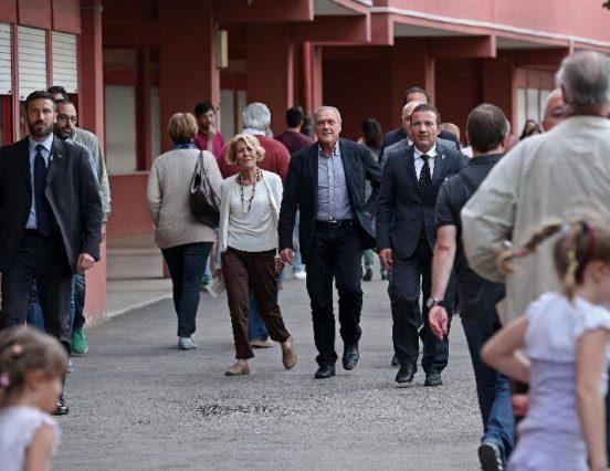 Seggio via del Tintoretto, funzionario invitava a non votare