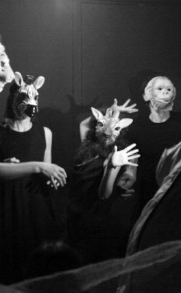 Il cabaret selvaggio del Tropique Noir all'Ostello di Magliano Sabina