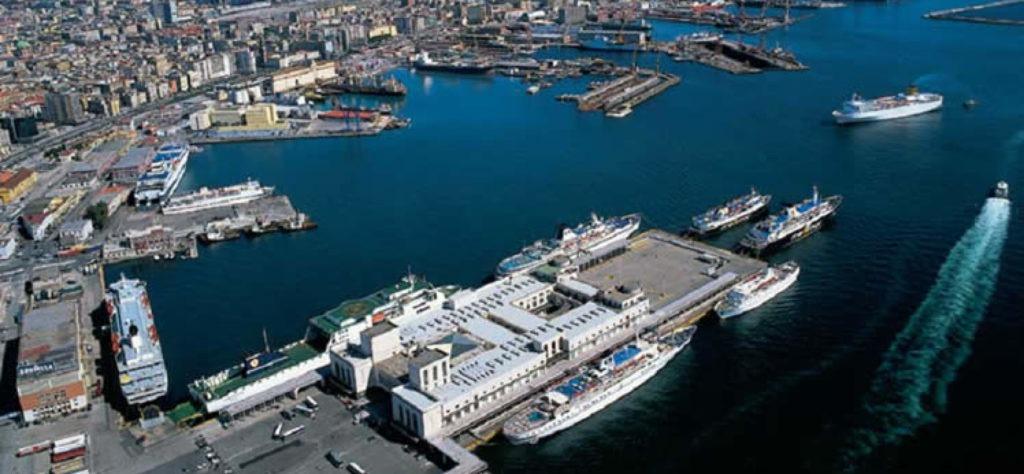 Porto di Napoli, autotrasportatori, terminal e autorità portuale