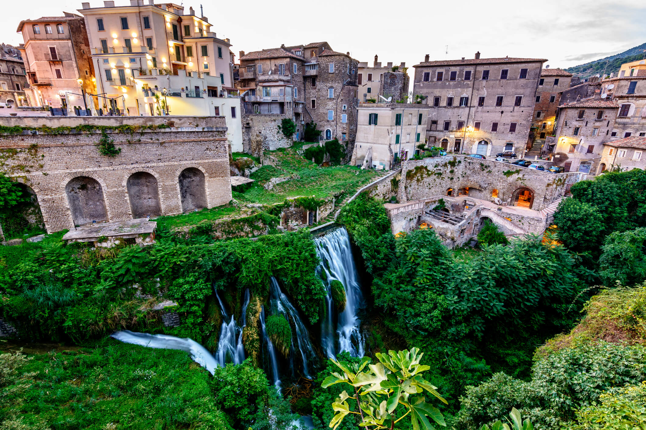 Dintorni di Roma: Villa Gregoriana a Tivoli - SenzaBarcode